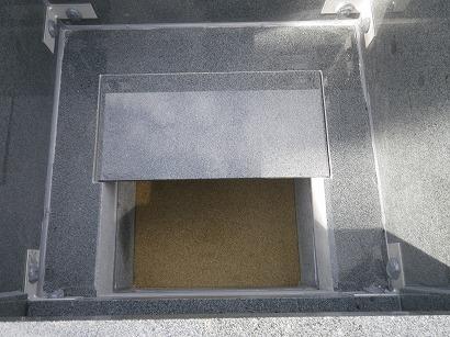 御骨壺保管スペースもつくられている、ハイブリッド納骨室。